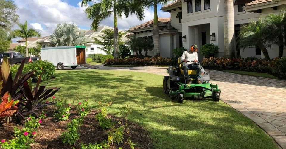Lawn Care Naples FL